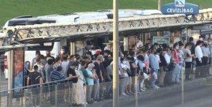 İstanbul'da yüz yüze eğitimin başlangıcı nedeniyle ulaşım, öğle saatlerine dek ücretsiz