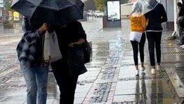 Edirne'de şiddetli sağanak yağış etkili oluyor