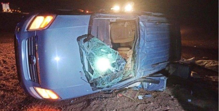 Kamyonet takla attı: 4 kişilik bir aile ölümden döndü
