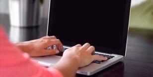 İşverenin kurumsal mail yazışmalarını incelemesi hak ihlali sayıldı