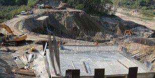 Giresun'da selde menfezin çöktüğü bölgeye köprü yapılıyor