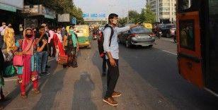Kovid-19 nedeniyle son 24 saatte Hindistan'da 680 kişi öldü