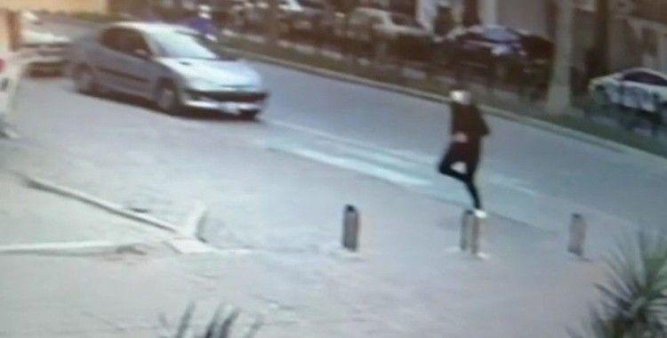 Banka müdürüne sokak ortasında saldırı