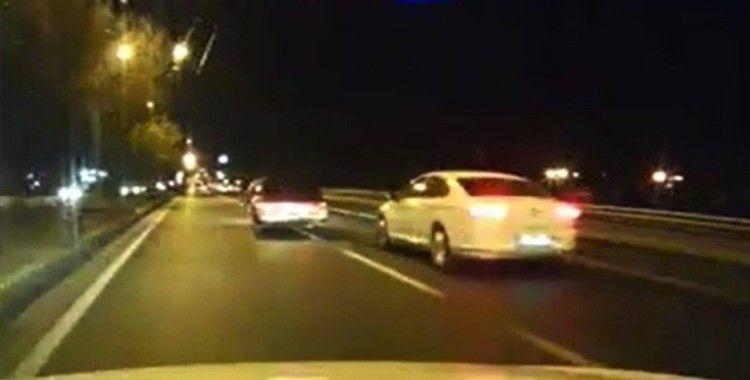 Trafik magandası araç kamerası tarafından böyle görüntülendi