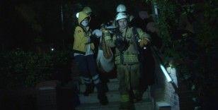 Beşiktaş'ta yangında mahsur kalan yaşlı vatandaş kurtarıldı arak hastaneye kaldırıldı