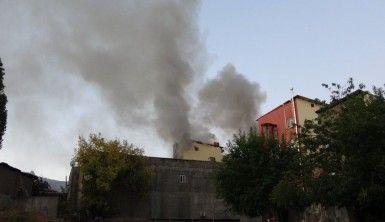 Muş'ta gece saatlerinde başlayan yangın söndürülemiyor
