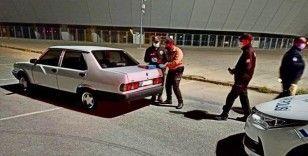 Karantinada olması gereken kişi aracıyla drift yaparken yakalandı