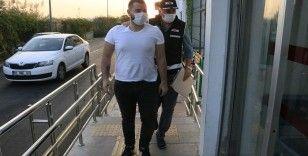 Adana'da tefecilere şafak vakti operasyonu