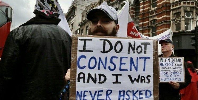 Londra'da Kovid-19 önlemlerine karşı yürüyüş düzenlendi