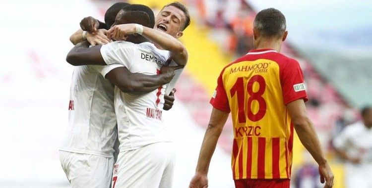 Kayserispor evinde Sivasspor'a 3-1 yenildi