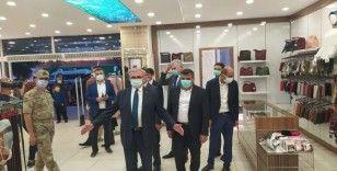 Diyarbakır Valisi ve Büyükşehir Belediye Başkan vekili Münir Karaloğlu, vatandaşlara tedbirlere uyma çağrısında bulundu