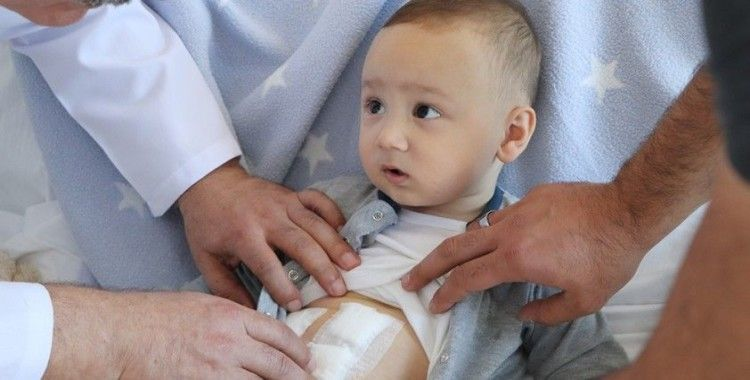 1 yaşındaki bebeğin safra kesesinden 5 taş çıkarıldı
