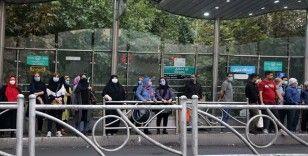 İran'da son 24 saatte 252 kişi Kovid-19'dan hayatını kaybetti