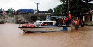 Vietnam'da aşırı yağışların yol açtığı sel ve toprak kaymalarında 84 kişi öldü