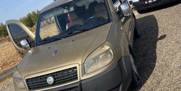 Hafif ticari araç karşı şeride geçti: 1 yaralı