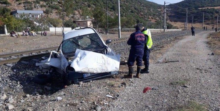 Hemzemin geçitte feci kaza: 3 ağır yaralı