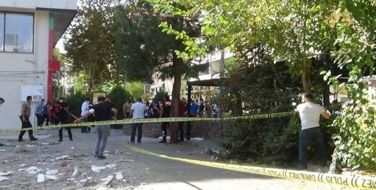 Diyarbakır'da 'namus' cinayeti: Ablasını öldürüp polise teslim oldu