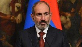 Paşinyan, Ermenistan ordusunun Azerbaycan ordusu karşısında tutunamaması nedeniyle vatandaşları cepheye çağırdı