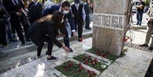 Ahmet Taner Kışlalı kabri başında anıldı