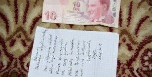 Şarj ettiği telefonu için camiye bıraktığı para 1 yıl sonra bulundu