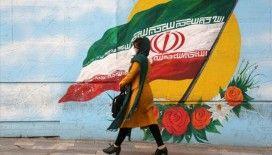 İran Cumhurbaşkanı Ruhani Kovid-19 nedeniyle 43 şehirde sıkı kısıtlamalar getirilmesi talimatı verdi