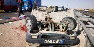 Sollamak istediği tıra arkadan çarpan otomobil takla attı: 4 yaralı