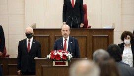 Ersin Tatar, yemin ederek göreve başladı