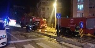 Mobilya atölyesi yandı binada mahsur kalanları itfaiye kurtardı
