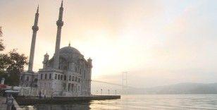 İstanbullular Cumartesi sabahına sisli bir havayla uyandı