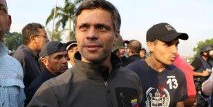Venezuela'da muhalif lider Leopoldo Lopez, gizlice ülkesinden çıkarak İspanya'ya geldi