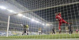 Fenerbahçeli futbolcular 'kafayı' çalıştırdı