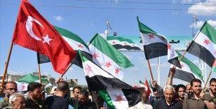 Filistinliler Fransa'ya tepki olarak Türk bayrağı taşıdı