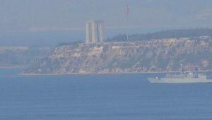 Romanya savaş gemisi Çanakkale Boğazı'ndan geçti