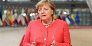 Merkel ülkede yeni alınan Kovid-19 tedbirlerini savundu: Tedbirler uygun gerekli ve orantılı