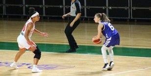İşitme engelli kadın basketbolcu dünya tarihine geçti