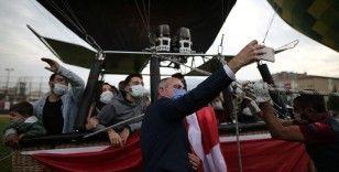 Bursa'da 1923 kişi Cumhuriyet Bayramı'nı gökyüzünde kutladı