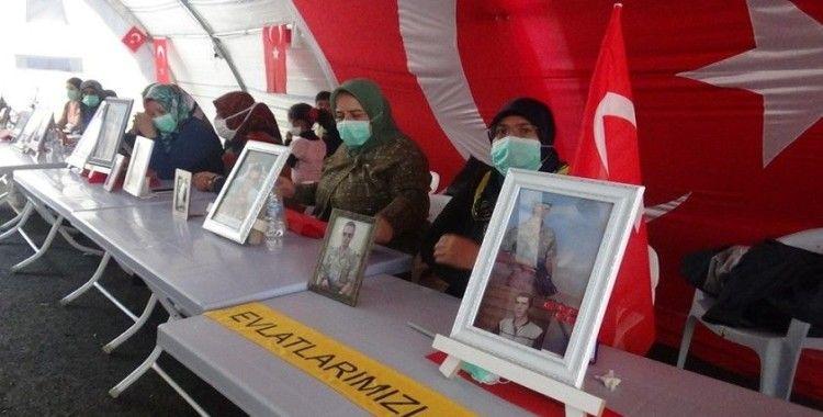 Çocukları için HDP önünde direnen ailelerin hikayesi yürekleri dağlıyor