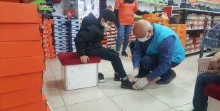 Elazığ'da yetim 500 çocuğa hediye