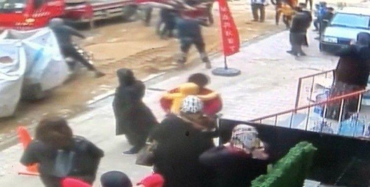 Esenyurt'ta izinsiz ağaç kesimi nedeniyle kavga çıktı