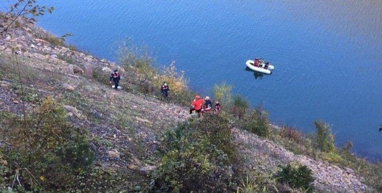 Bartın'da otomobil baraja uçtu: 2 ölü