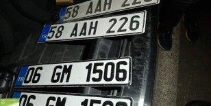 Sivas'ta sahte plaka kullanan sürücüye 28 bin lira ceza