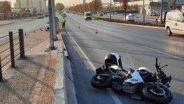 Motosikletin çarptığı kadın metrelerce ileriye fırladı