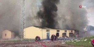 Havai fişek fabrikasındaki meydana gelen patlama anı kamerada