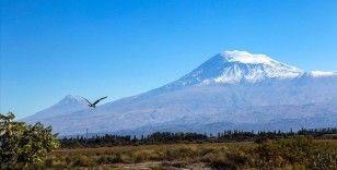 Doğa ve adrenalin tutkunlarının gözdesi Ağrı Dağı resmi tırmanışa açılacak