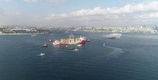 'Kanuni' Sondaj Gemisi İstanbul Boğazı'ndan böyle geçti
