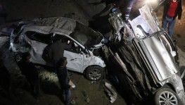 Bolu'da 2 otomobil 4 metrelik köprüden aşağı uçtu