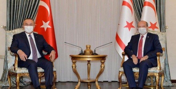 Dışişleri Bakanı Çavuşoğlu, KKTC Cumhurbaşkanı Tatar ile görüştü