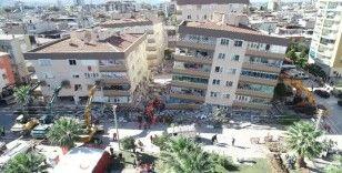 İzmir depreminde hayatını kaybeden Nurcan Hiçyılmaz Tosun toprağa verildi