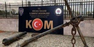 Osmanlı Dönemi'nden kalma gemi çapası ve savaş topu hurdacıdan çıktı