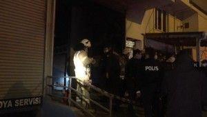 Arnavutköy'de tamir edilmeye çalışılan otomobil bir anda alev aldı